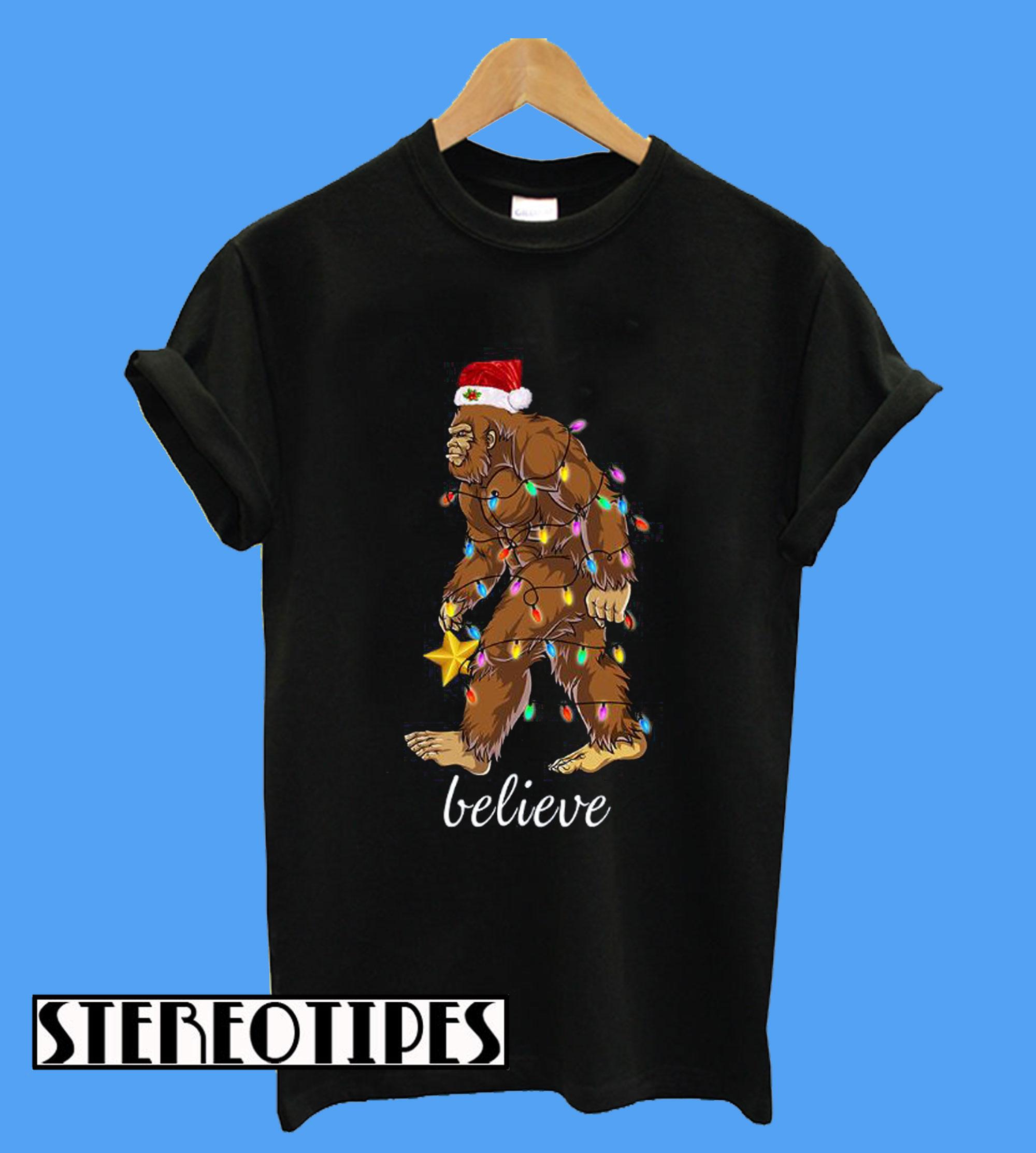 23e6db8133 Bigfoot Santa Believe Christmas T-Shirt